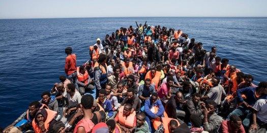 migranti-barcone.jpg